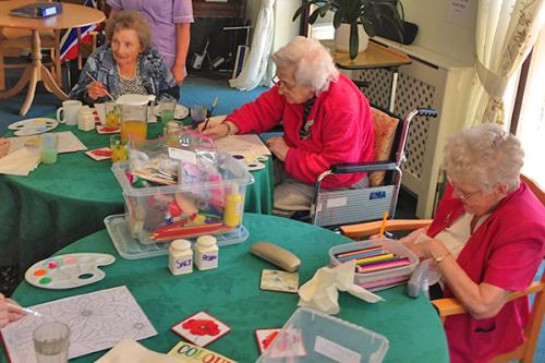 residents painting and drawing
